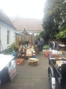 De verkoop komt ten goede van de te bouwen voedselkas